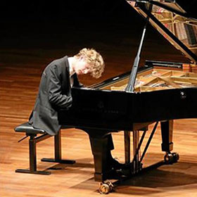 Jan Lisiecki plays Beethoven, Mendelssohn, Chopin